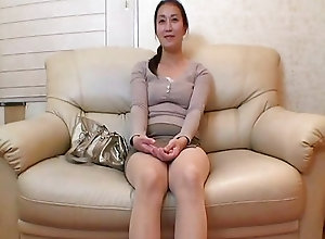 Stimulating Chinese milf bitch gets her pussy fingered and showered